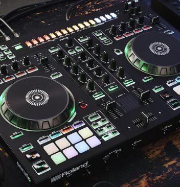 dj controllers pioneer