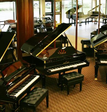 types of grand pianos